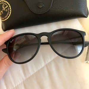Like New Black Erika Raybans